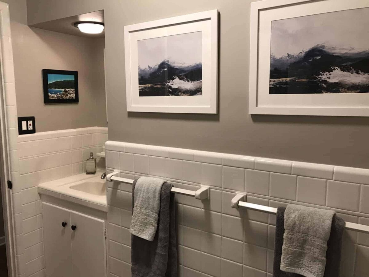 Before After Easy Diy Bathroom Update Professional Staging