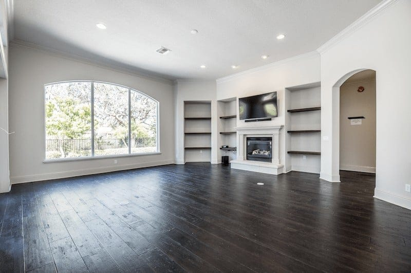 An empty living room before home staging