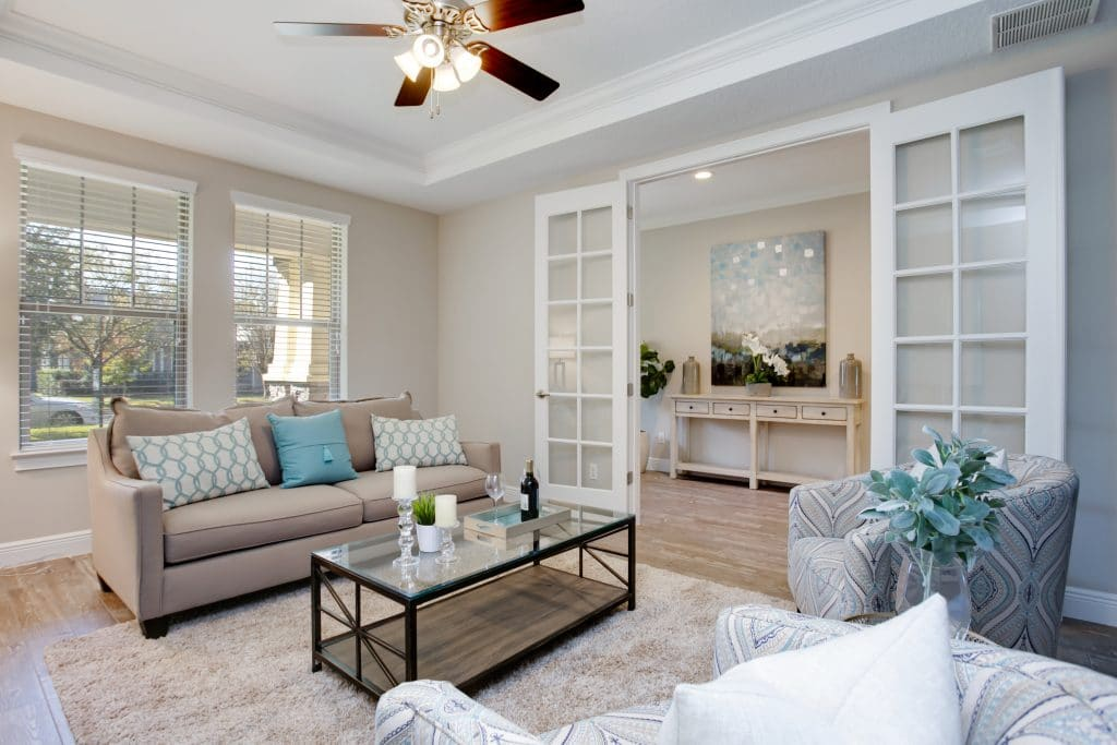 Living room staged with traditional home staging by MHM Professional Staging